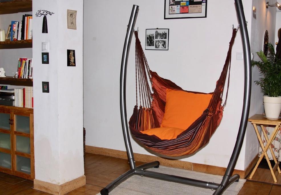 support de hamac et son hamac. Black Bedroom Furniture Sets. Home Design Ideas
